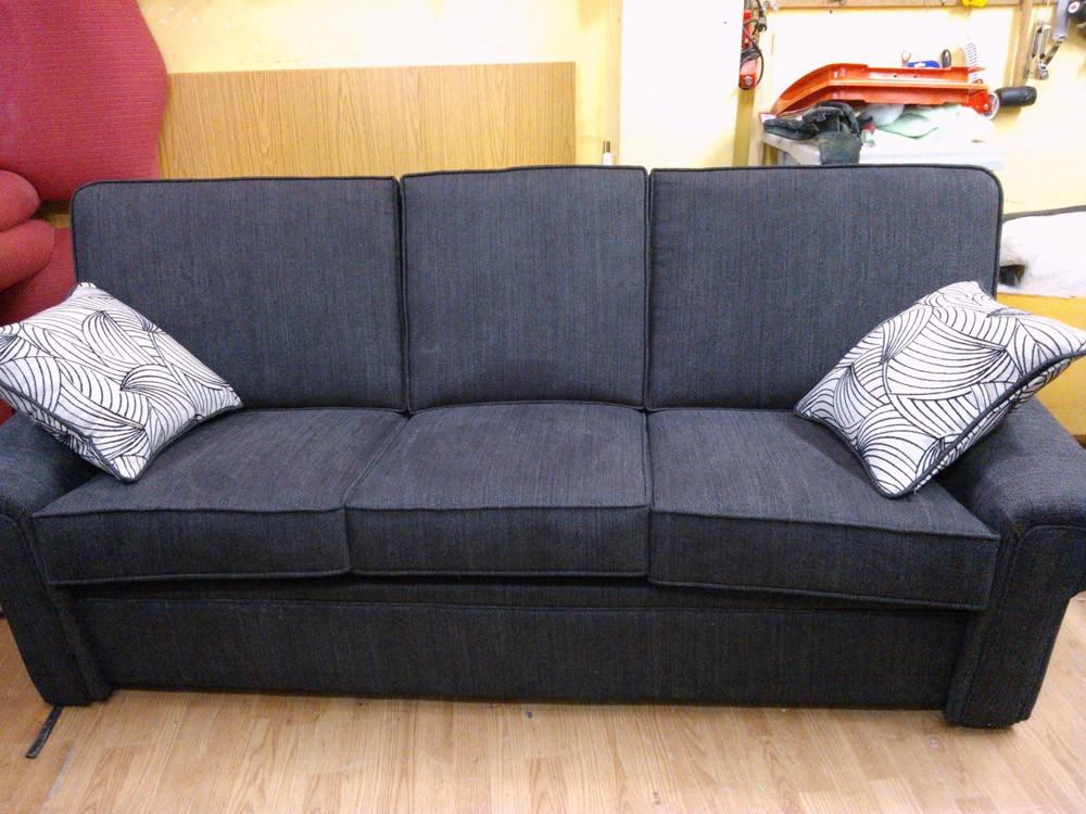 Tapizado sof s y sillones en madrid barrio del pilar for Tapizado de sofas