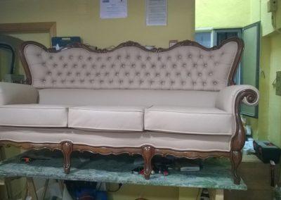 tapizado de sofá con madera
