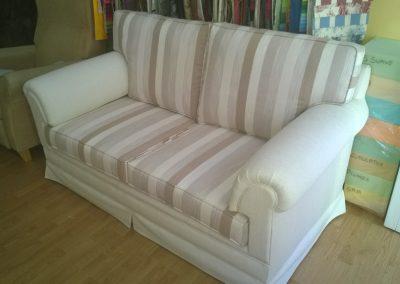 tapizado de  sofá blanco rayas